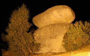 Saint-Marc roche branlante de nuit