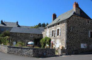 Mairie- annexe de Loubaresse et mairie de Val d'Aarcomie